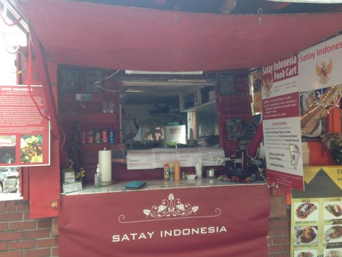 Satay Indonesia food truck spotted--looking nice with the typical warung decoration!