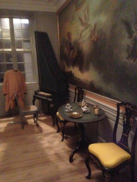 A room in a typical bourgeois' apartment in the 1700s.